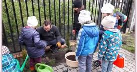 Misja dzieci - praca w ogrodzie 30 kwietnia 2017