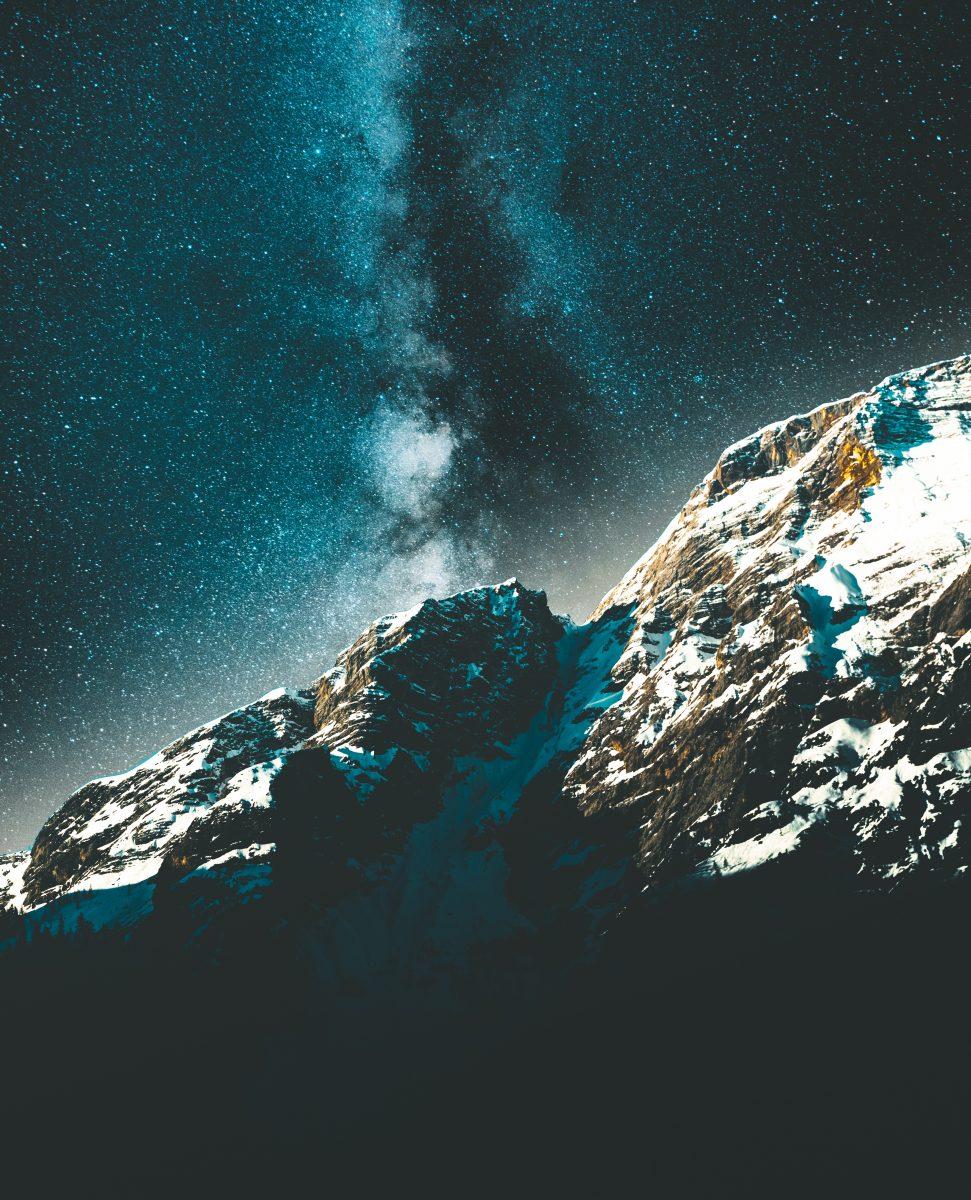 On jest Bogiem, który stworzył ziemię!